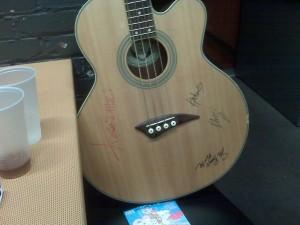 guitarsigned